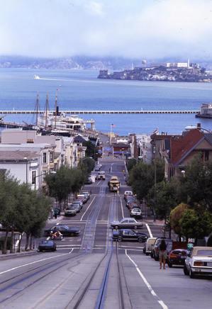サンフランシスコ アメリカ ケーブルカー 旅 旅行 世界旅行 坂道 港町 The United States San Francisc Travelo Port town  Slope